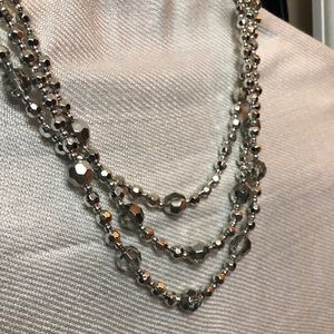 Jewelry - Silver bead necklace